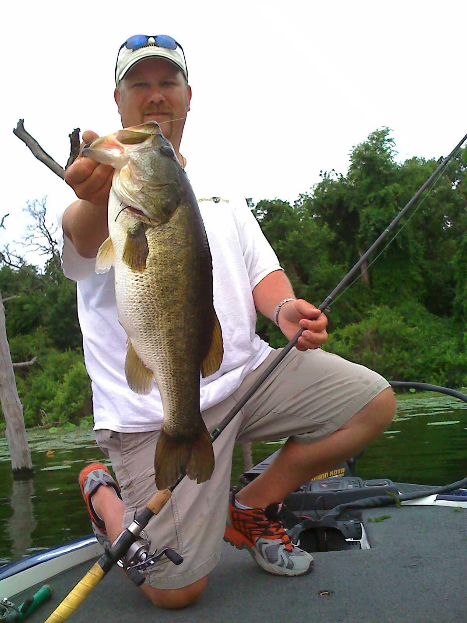 Bass fishing angler for Lake fork fishing hot spots